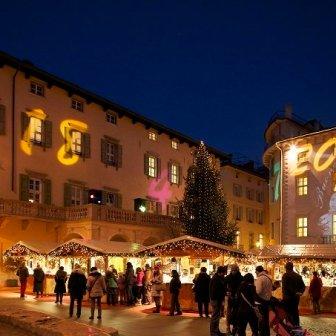 Mercatino di Natale nel centro storico di Arco, Trentino