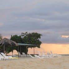 spiaggia Keyodhoo al tramonto