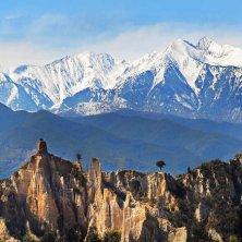 Pirenei in Occitania Francia verde