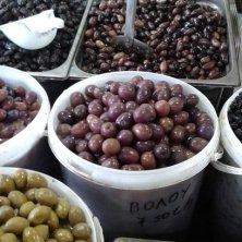 olive al mercato in vendita
