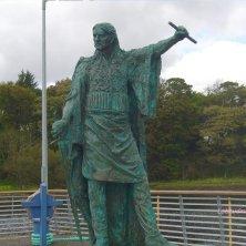 statua a Donegal Town