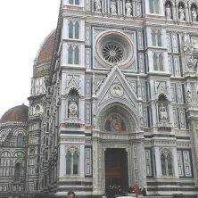a Firenze cupola nascosta dalla facciata duomo