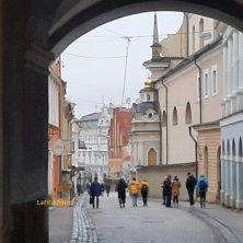 accesso a Vilnius dalla Porta dell'Aurora