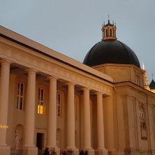 cattedrale illuminata