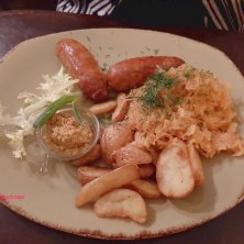 piatto di salsicce cucina lituana