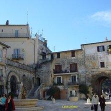 piazza paese medievale