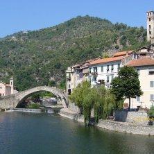 ponte, castello e chiesa