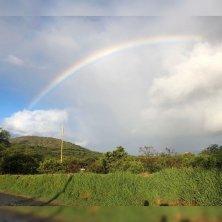 arcobaleno sulla piantagione caffè delle Hawaii