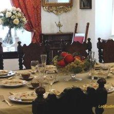 tavola imbandita a Castel Thun