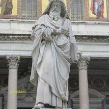 statua esterna di San Paolo