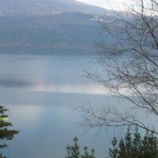 visione invernale del lago