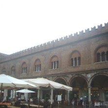 banchi piazza delle Erbe e palazzo
