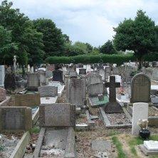 lapidi cimitero parenti di Lennon