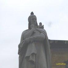 Dante a Verona posa
