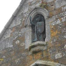 all'entrata abbazia