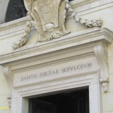 scritta sulla tomba di Dante a Ravenna