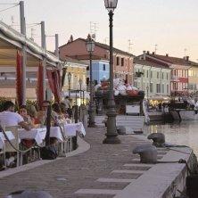 Cesenatico Locali sul porto canale