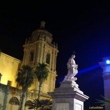 chiesa in notturno