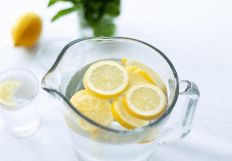 Beneficios beber agua Julia Zolotova Pexels