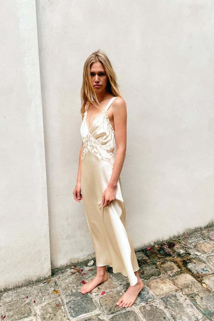 Vestido largo de seda con escote - novias de zara