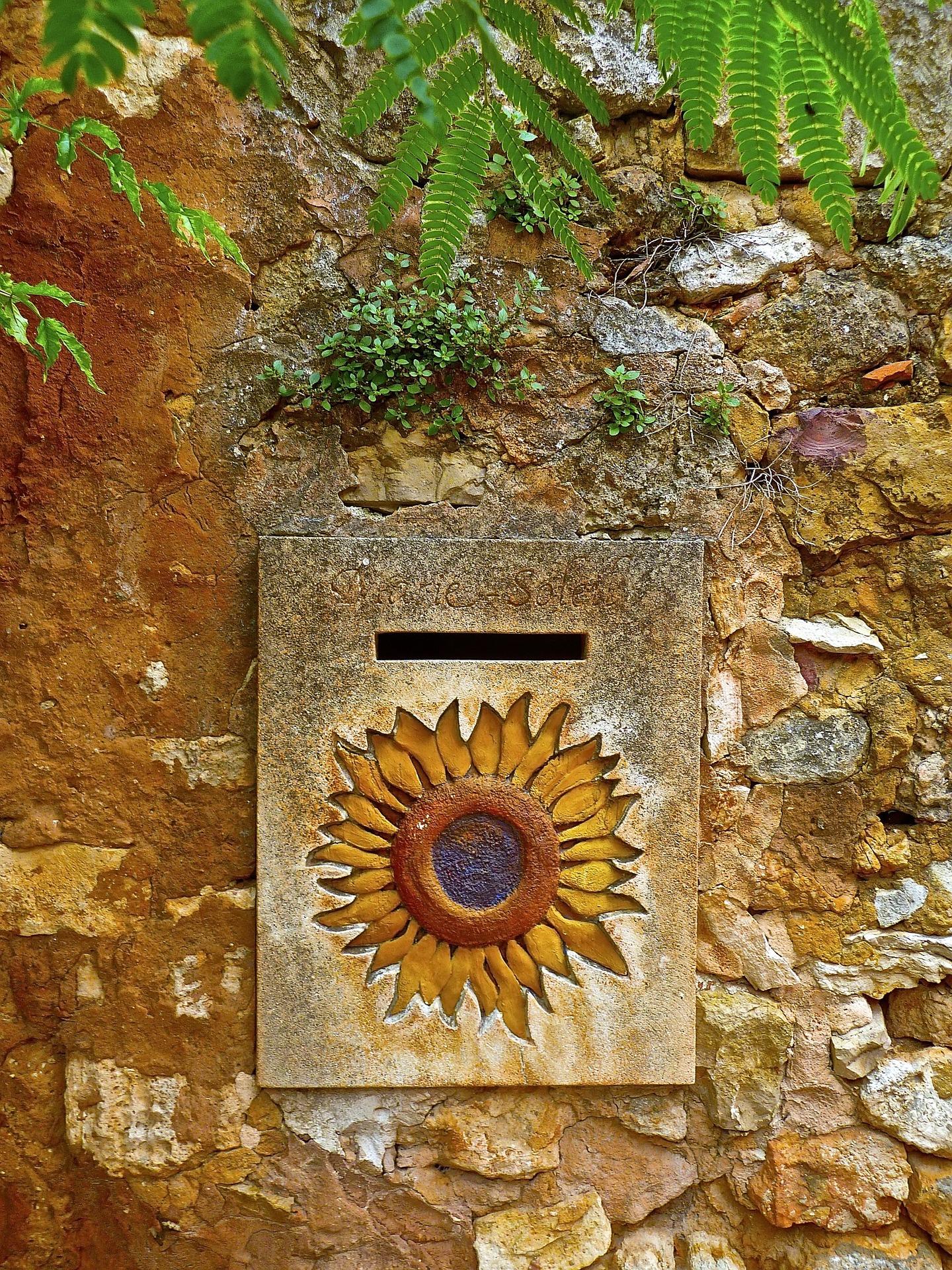 letterbox-972224_1920
