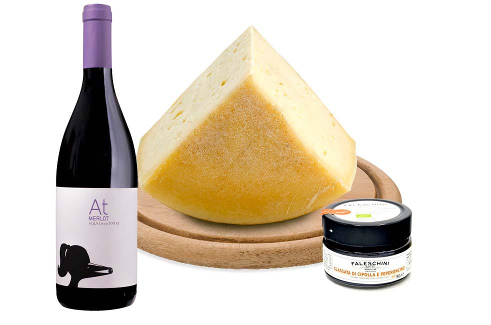 Degustazione BIO Montasio + Merlot + Glassata di cipolla
