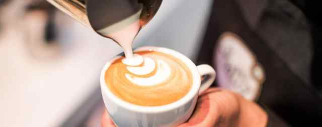Learn how to make the perfect cappuccino with the smart milk