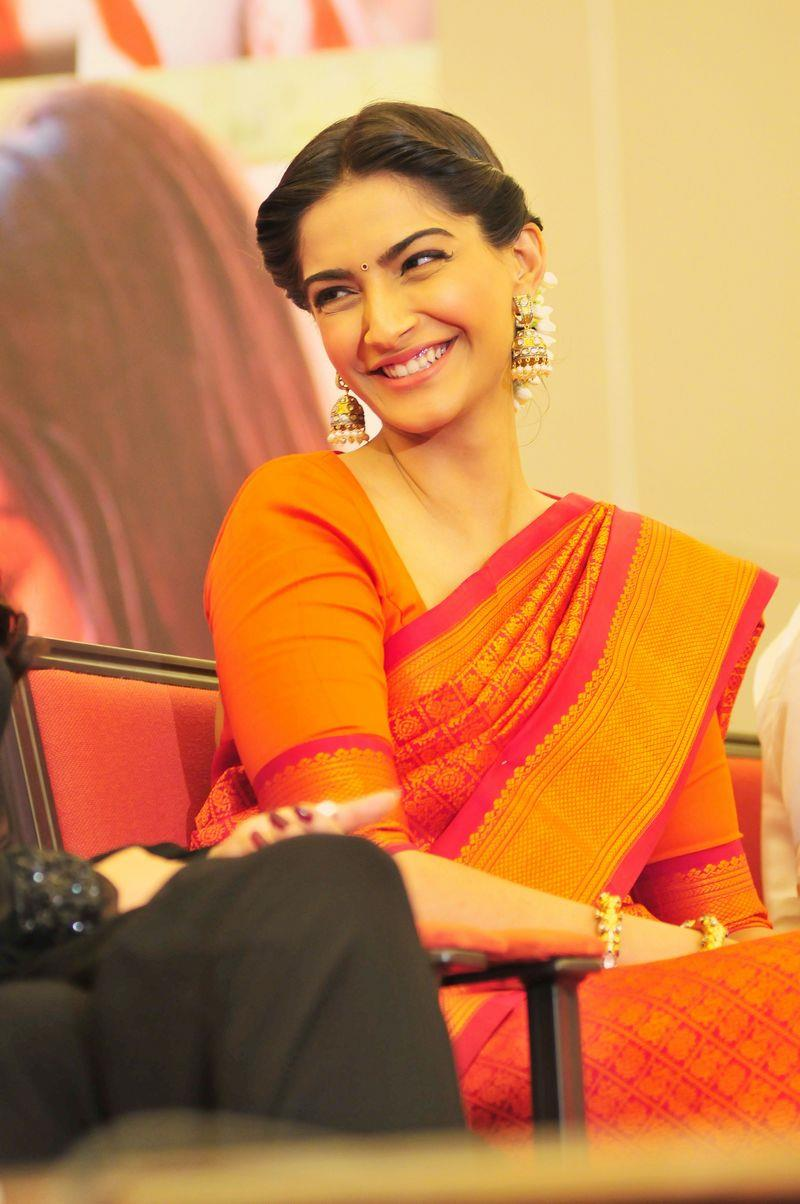 Sonam Kapoor Looking Pretty Cool In Sari With Wide Cute Smile