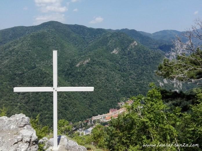 crucea-alba_vedere-spre-herculane