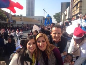 Con la Lic.Margarita alcaldesa de Monterrey y su familia.... ¡ Felicidades!
