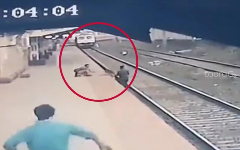 tren-india-menor