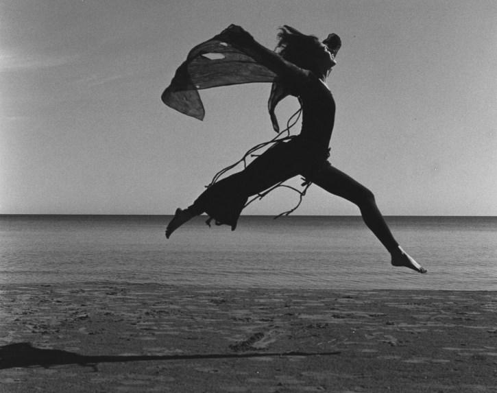 Laüra Hollick Dancing