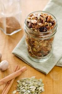 cinnamon-raisin-spice-granola680x1020-3