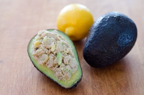 quick & healthy recipe -avocado-tuna-salad680x450