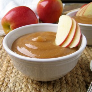Easy Autumn Spiced Applesauce {Crock Pot and No Sugar Added!)