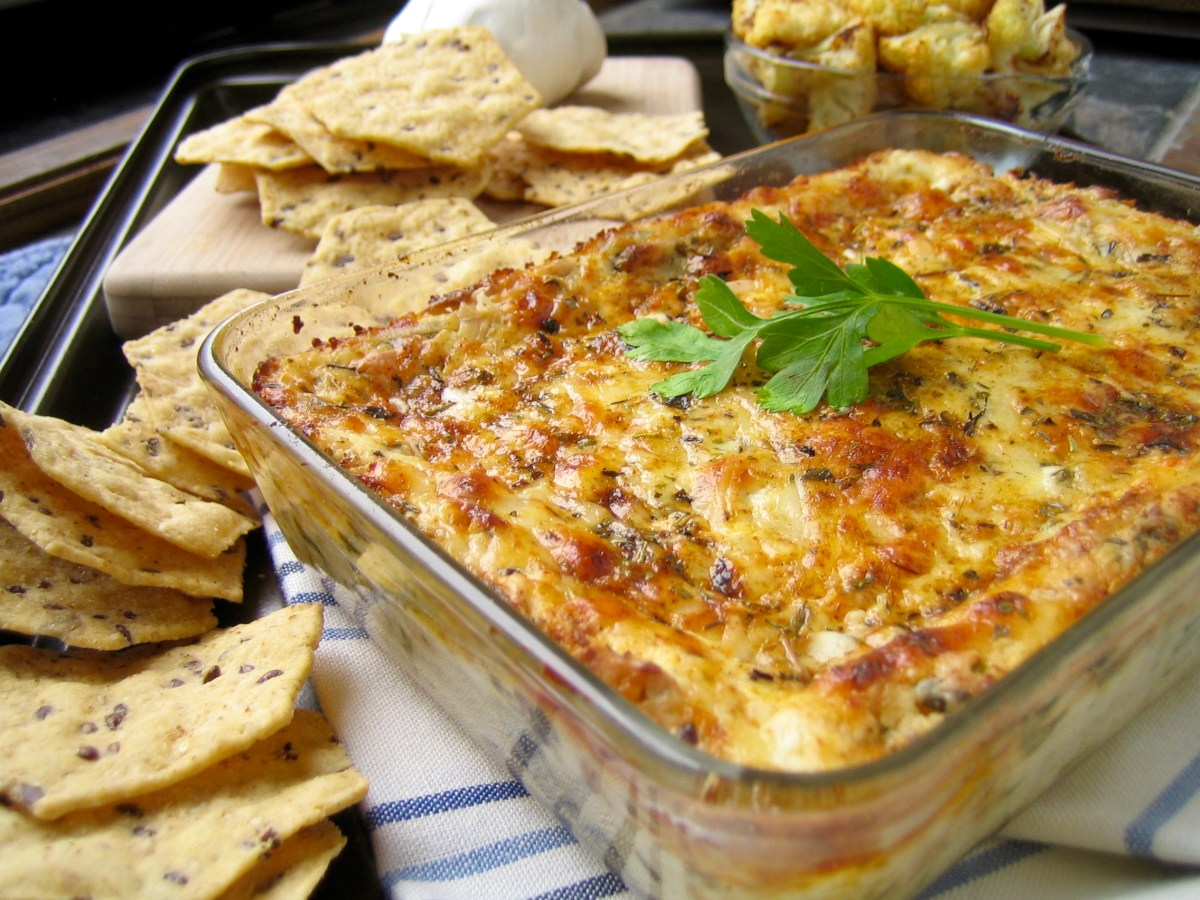 Cheesy Roasted Cauliflower Garlic Spinach Dip