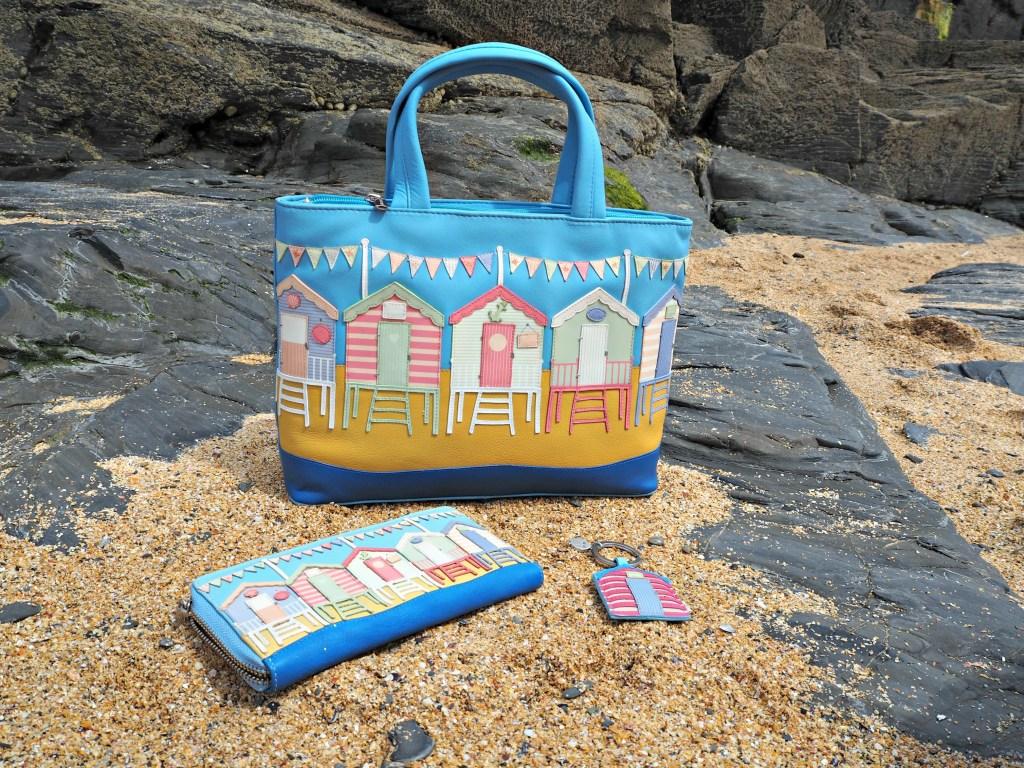 Yoshi Beach Hut bag purse and keyring
