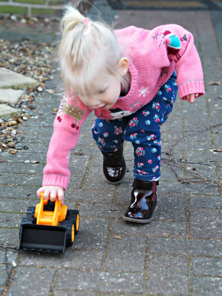 JCB Kids Wheel Loads Toys Review - Aria playing 2