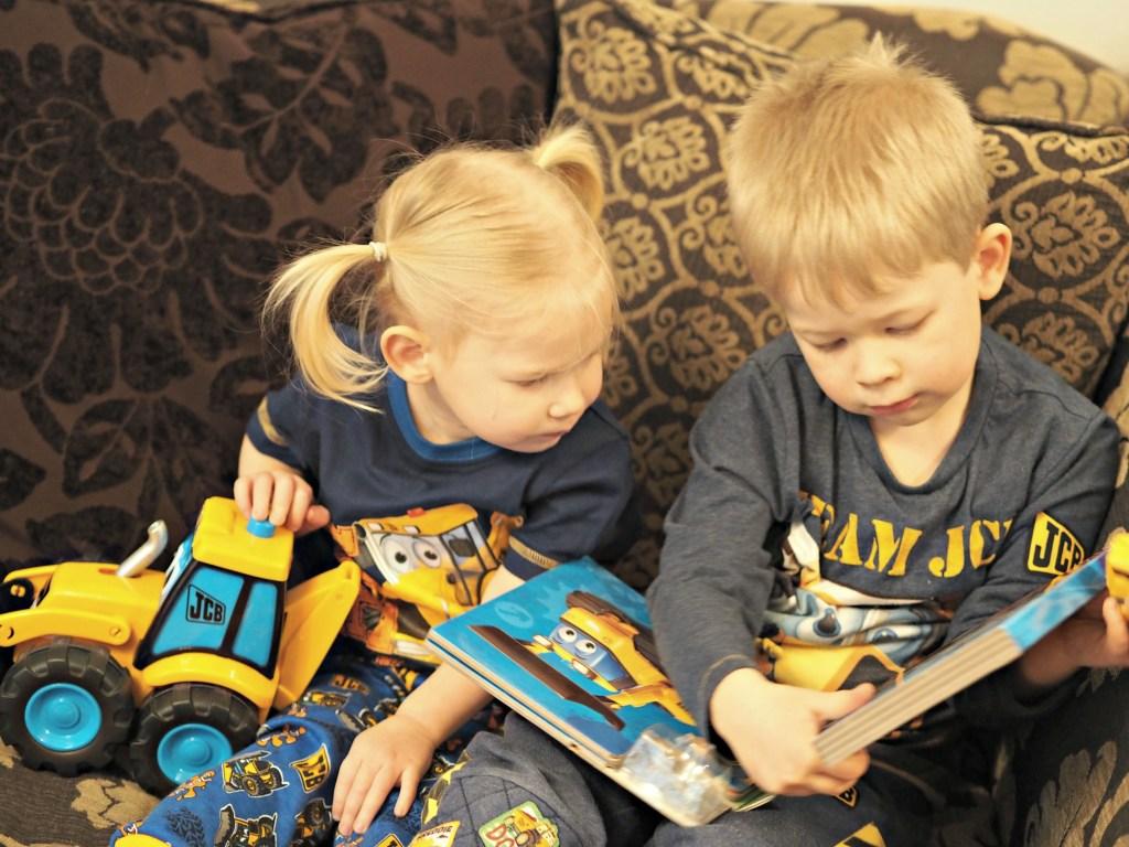 JCB Pyjamas & Whizzy Winders Dan Dozer Book Review