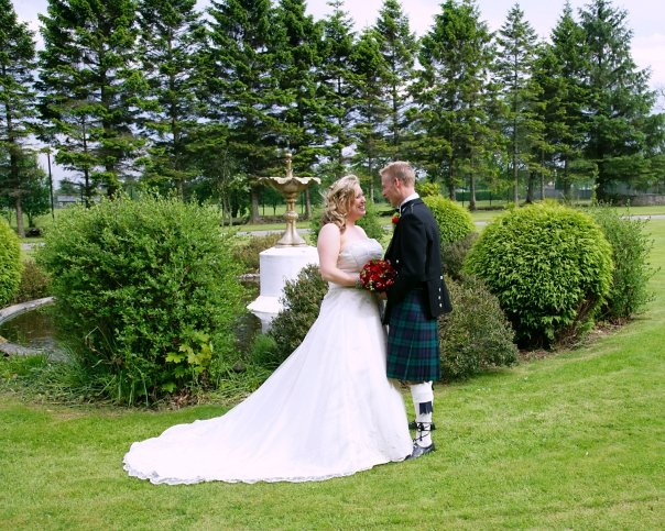 wedding dress & fountain