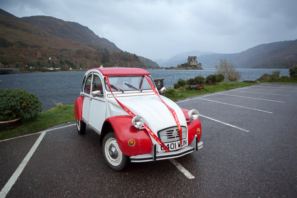Citroen 2cv wedding car at isle of skye wedding