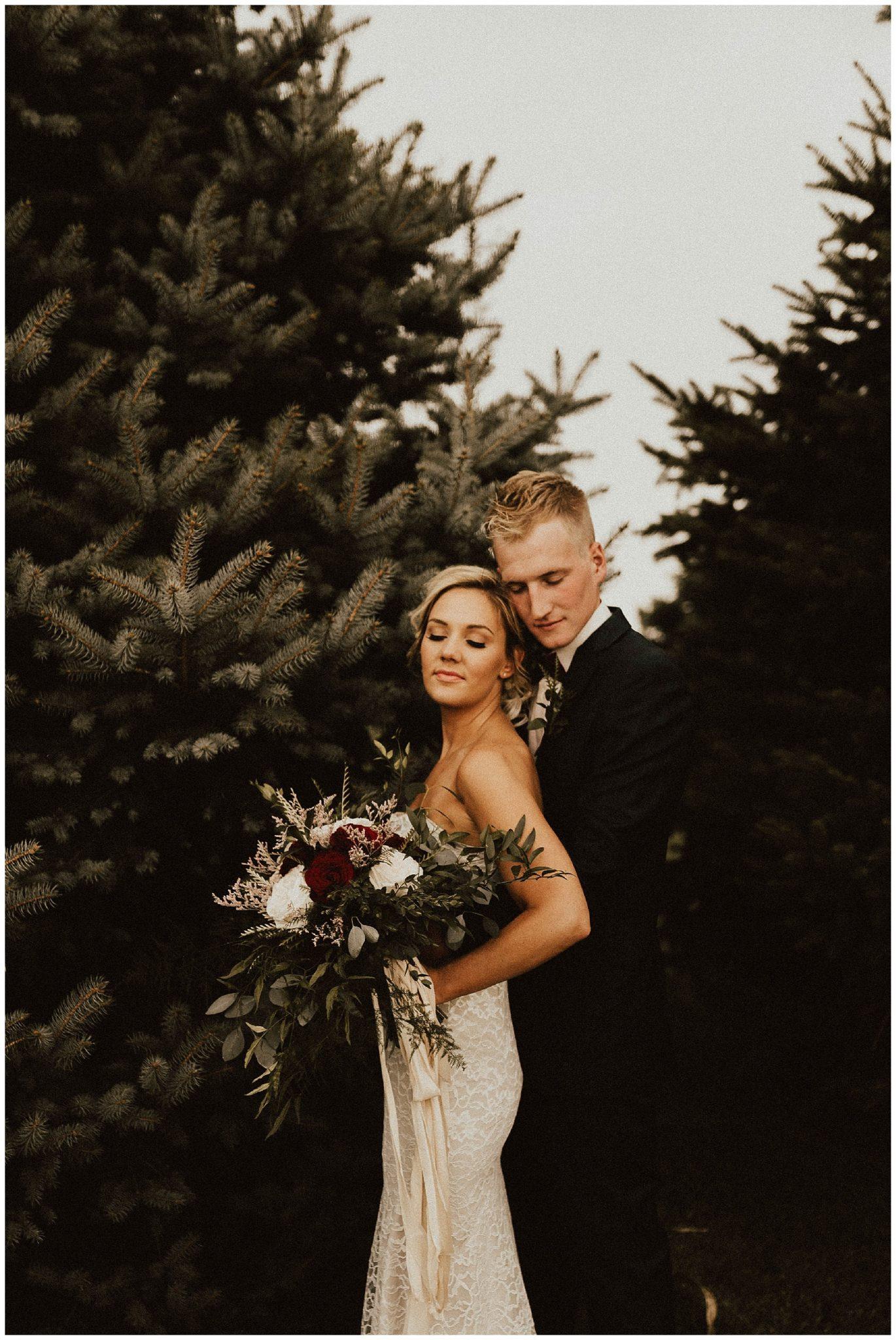 Lauren F otographyCentral Backyard Wedding Intimate xBEQedCorW