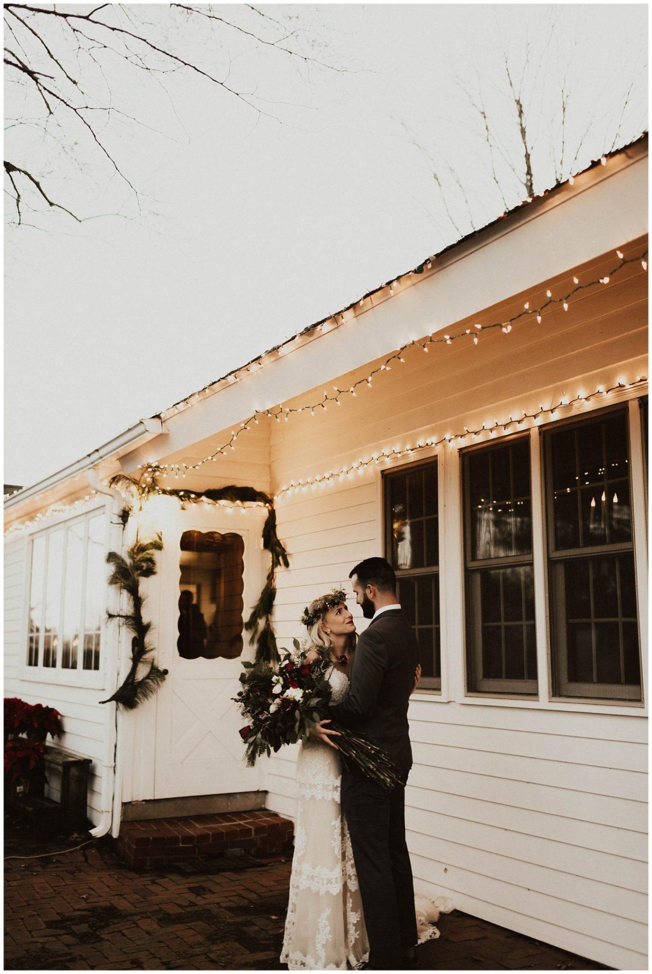 8a8588d29eaf8 Hannah + Brian // Christmas Cabin Wedding - Lauren F.otography ...