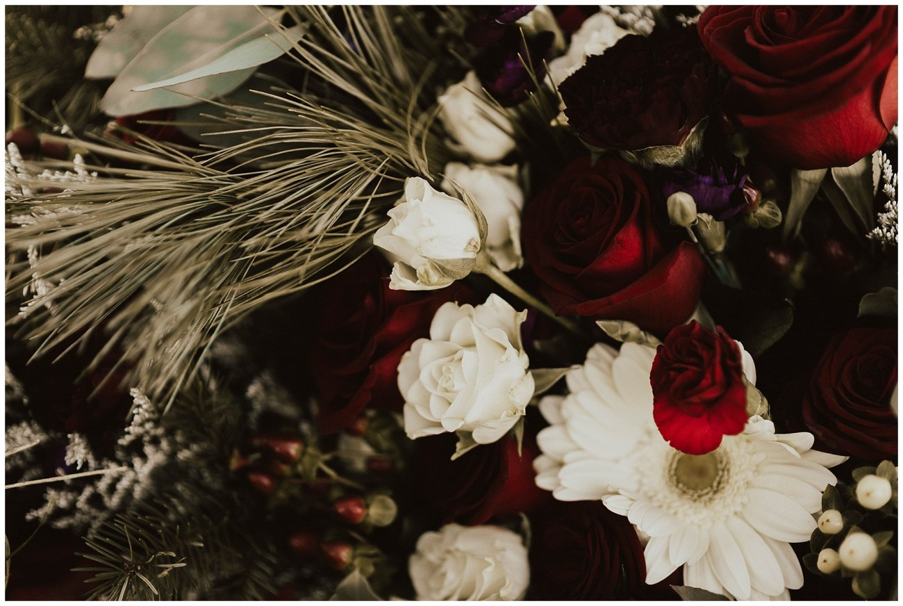e3373617e3525 Hannah + Brian // Christmas Cabin Wedding - Lauren F.otography ...