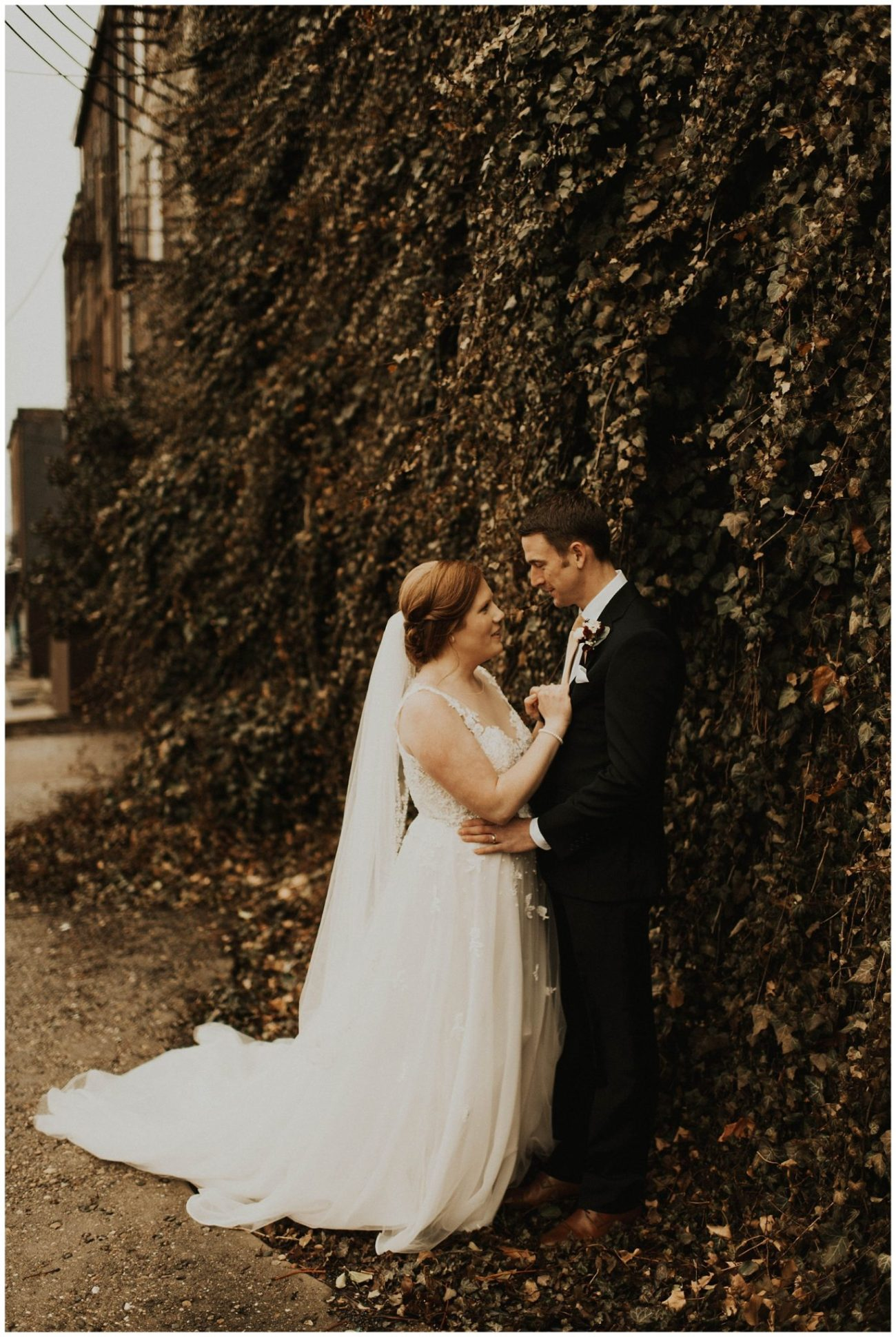 f2c3b21c Johnny + Eliza // Classic Winter Wedding - Lauren F.otography ...