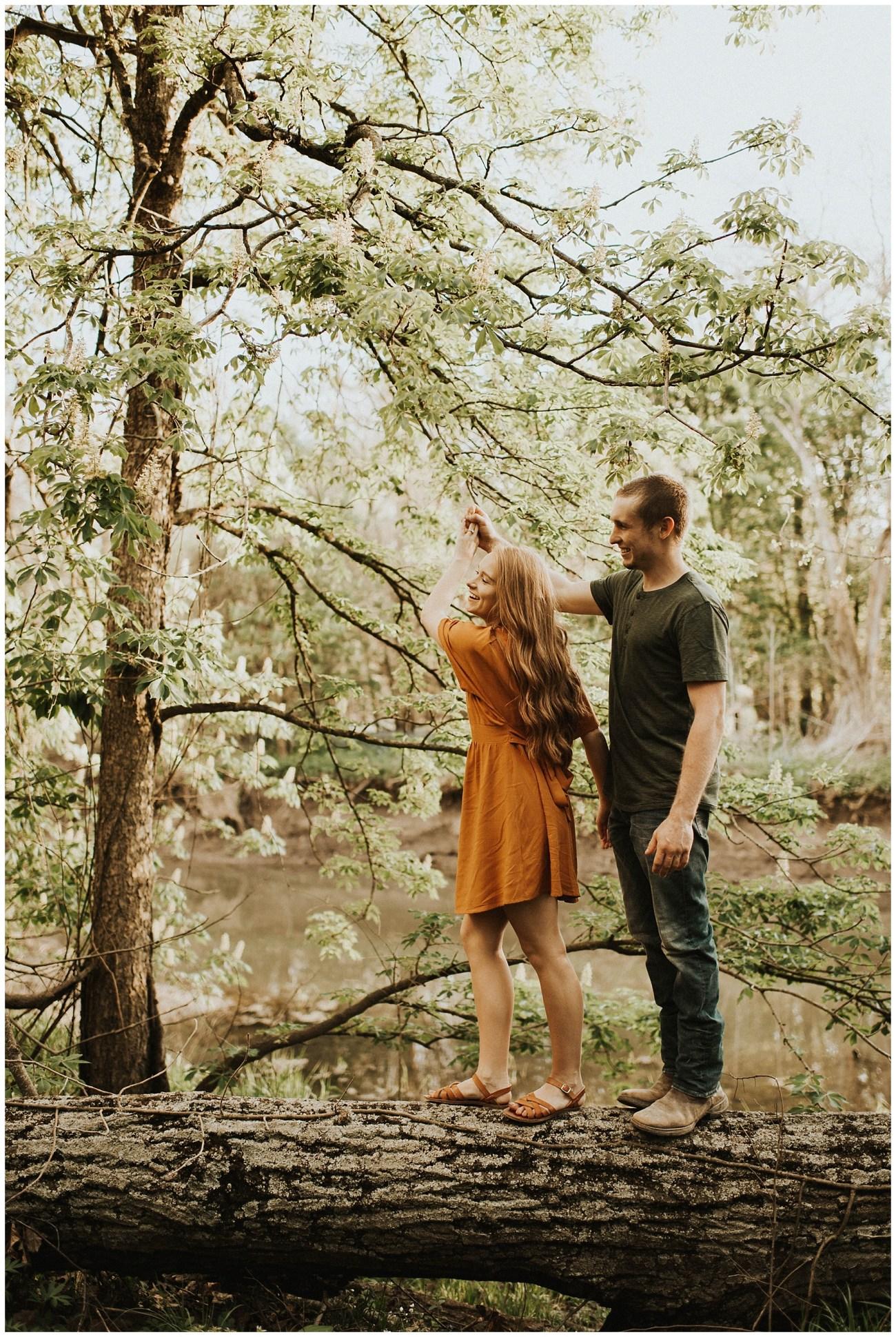 foto de Nelson + Kendra // Warm Summer Engagements - Lauren F.otography ...