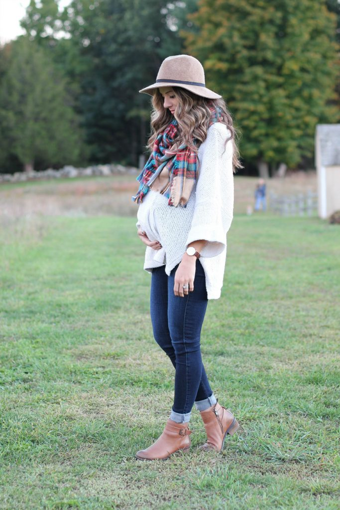 Fall maternity outfit, plaid blanket scarf and oversized sweater