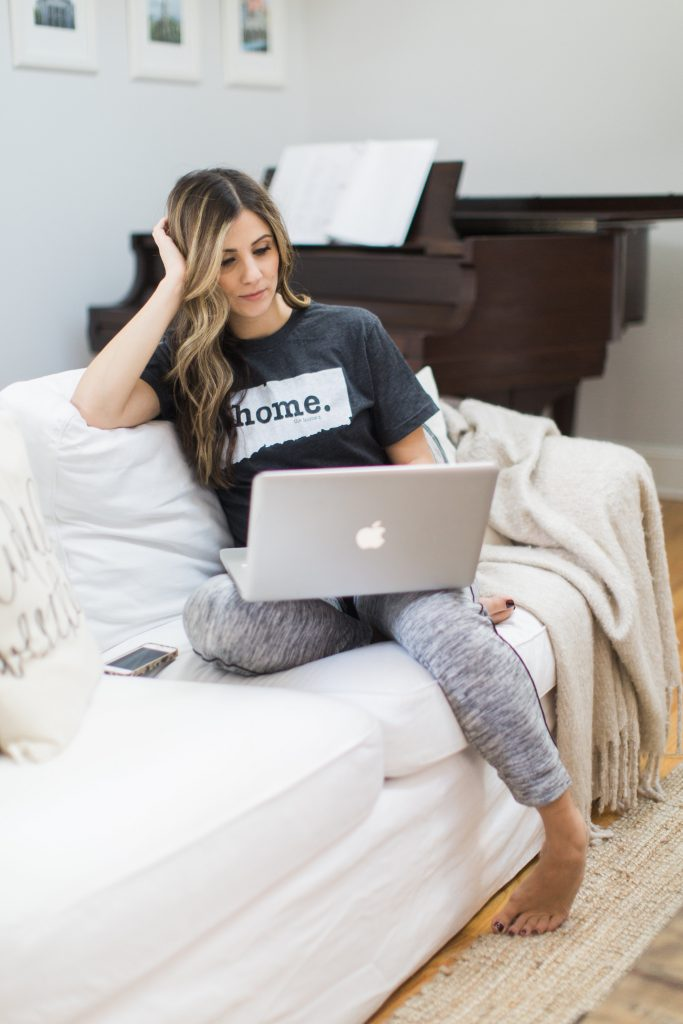 How to wear a graphic tee, The Home T