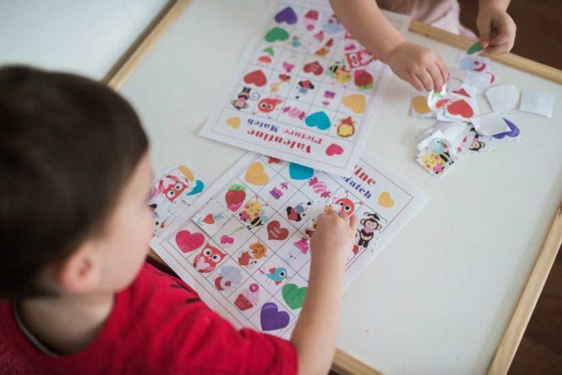 Valentine's Day printable match game for kids!