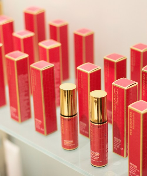 Valentine's Day Gifting: Elizabeth Arden Red Door Spa
